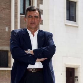 Oliver pelear la presidencia del Espanyol a Joan Collet