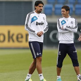 Khedira ya trabaja con el grupo y será titular en Dortmund