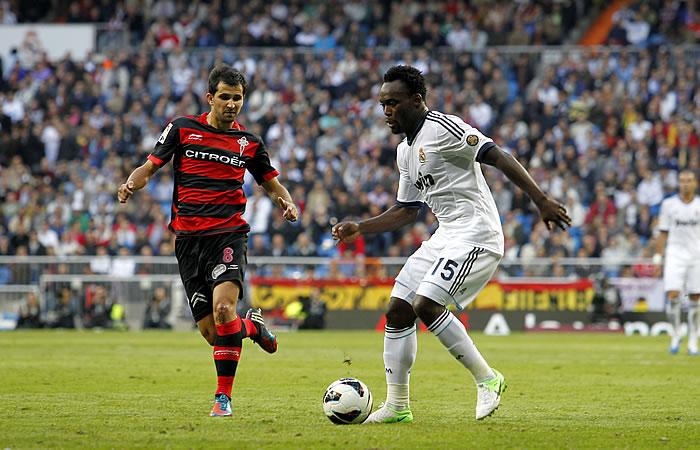 La afición repetiría con Essien ante el Borussia