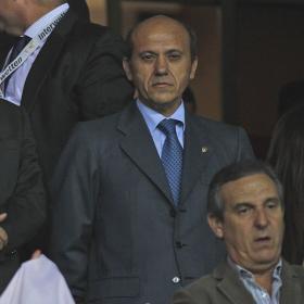 Una delegación china visita hoy a Del Nido en el estadio sevillista
