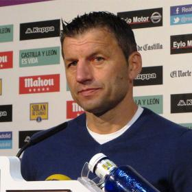 Djukic: &quot;La plantilla ser suficiente para lograr la permanencia&quot;