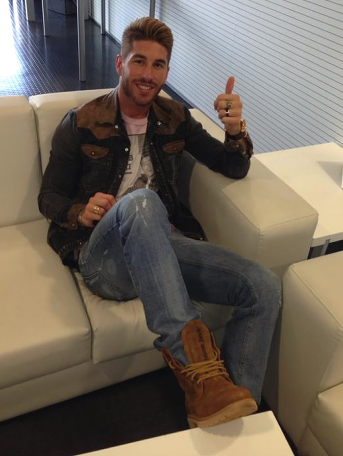 Ramos jugará pero ha llegado con molestias