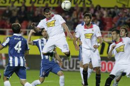 El Sevilla toma ventaja gracias a la pasividad del Espanyol
