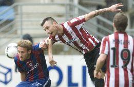 El Eibar agobia al pobre Athletic