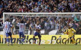 El Deportivo alivia su situación y complica la del Mallorca