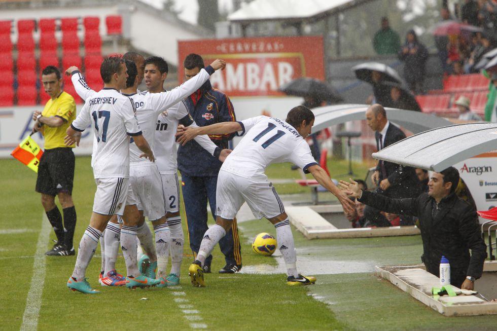 El Castilla empata con diez y los jugadores dedican un gol a Toril