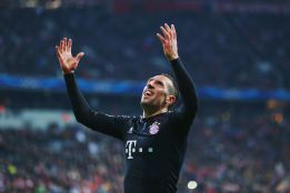 El Bayern vapulea al Lille con gran noche de Pizarro