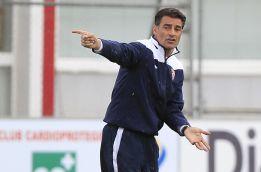Míchel le pone las pilas a los delanteros pensando en Bilbao