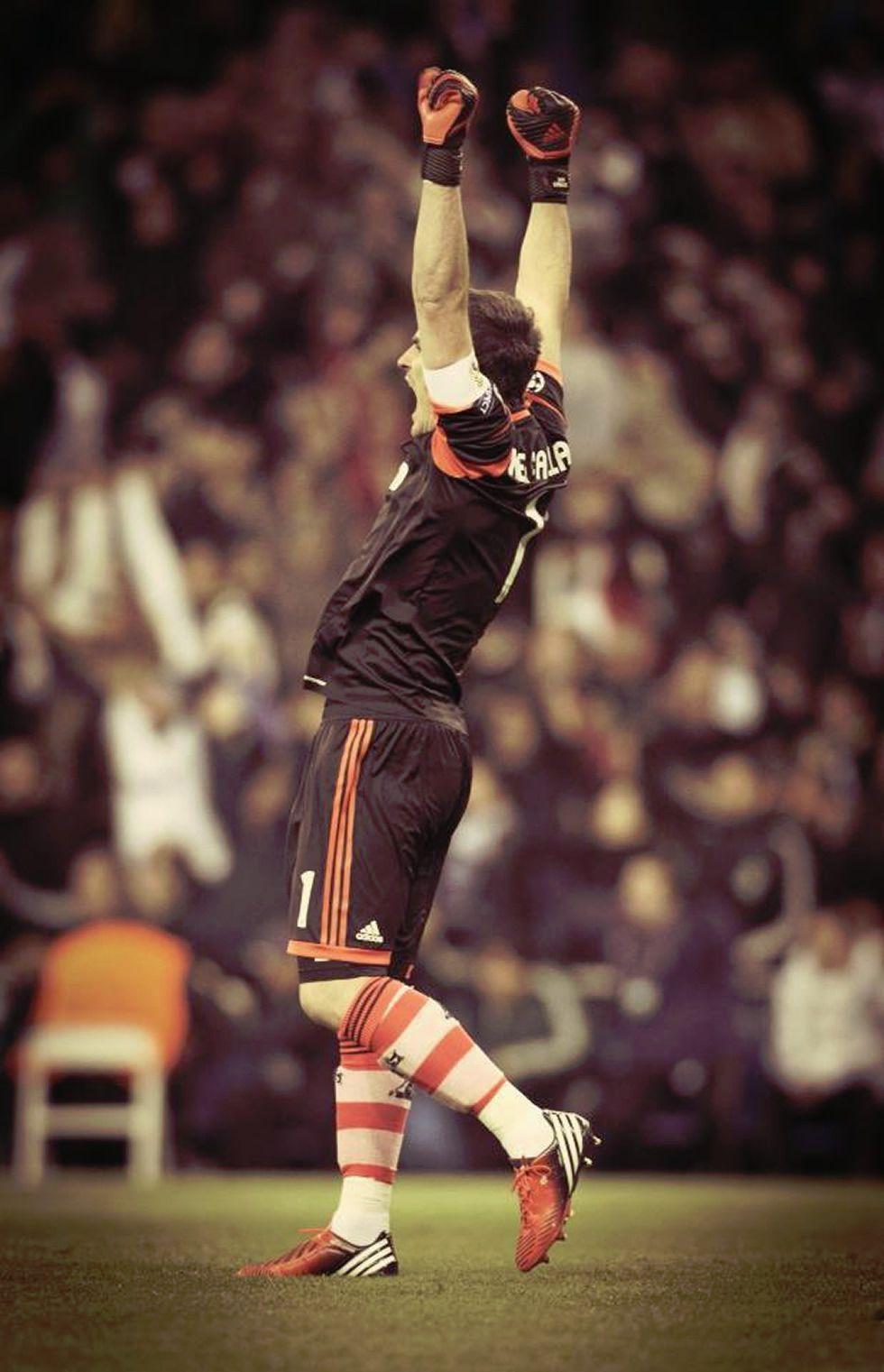 Iker Casillas ya celebra los goles que mete el Real Madrid