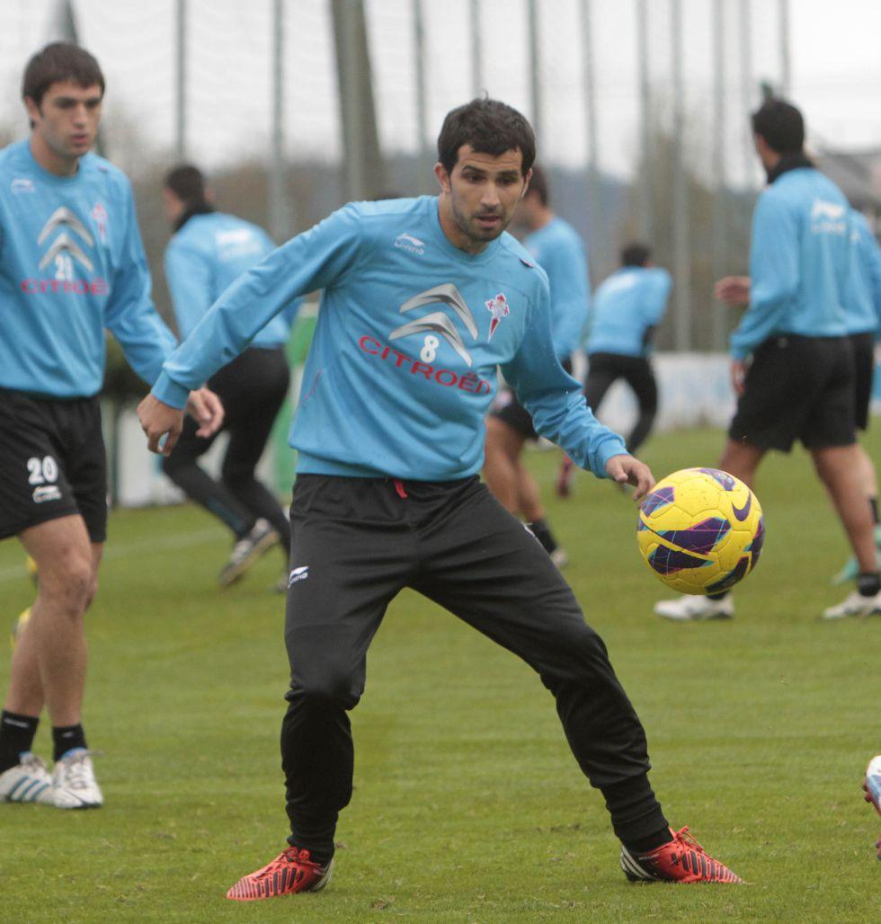 Álex López reconoce contactos con el club vigués para renovar