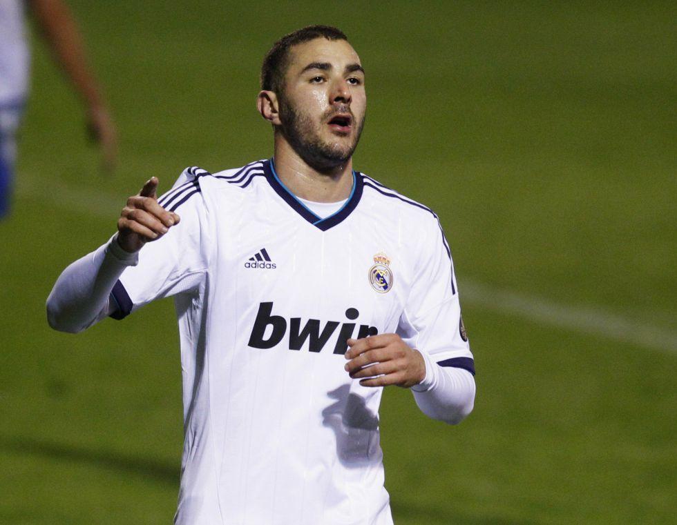 """Benzema: """"Paso más tiempo en el banquillo que en el campo"""""""