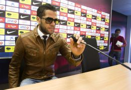 "Alves: ""El fútbol diferencia a Leo Messi de Cristiano Ronaldo"""