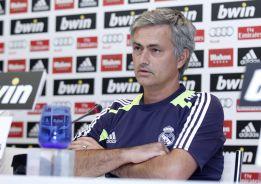 """Mourinho: """"Cristiano será nuestro nueve ante el Levante"""""""