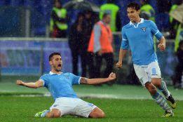 La Lazio se lleva el derbi; derrotas de Milan e Inter