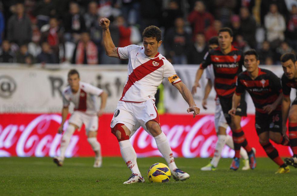 El Rayo Vallecano remonta un 0-2 ante un Celta con diez