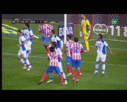 Penalti a Falcao no señalado y mano de Arda Turan en el 2-0