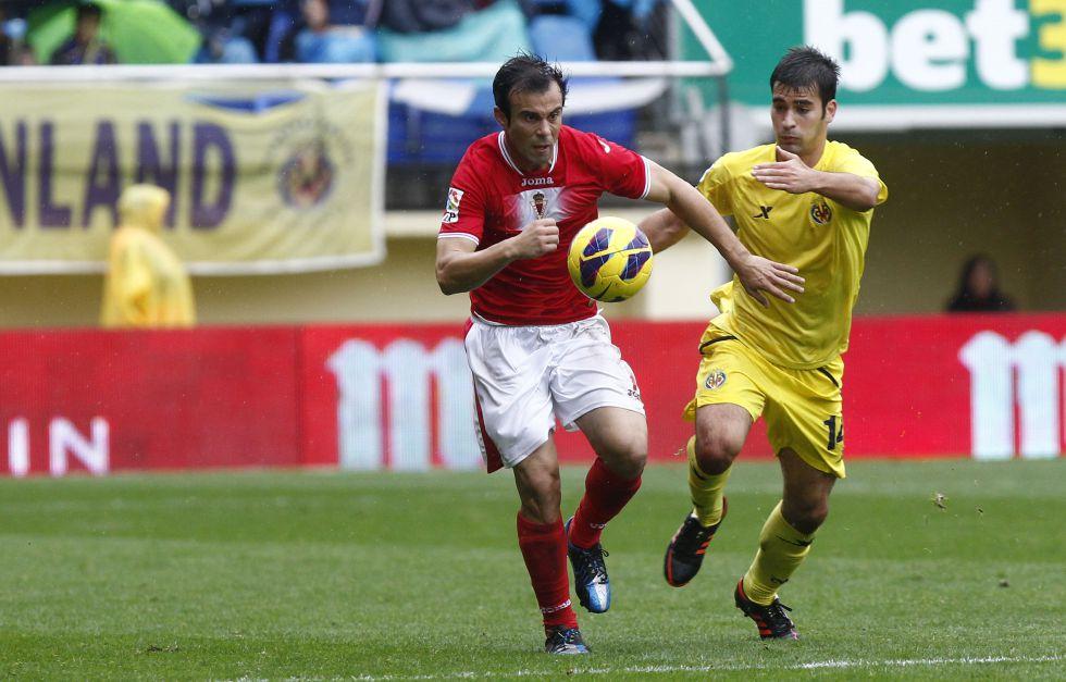 El Villarreal dominó a un Murcia que encontró premio al final