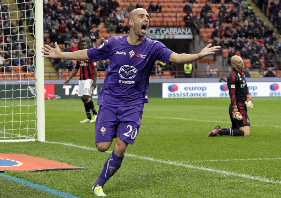 Borja Valero lidera a la 'Fiore' en Milán y hace su primer gol