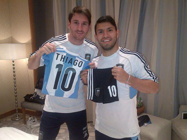 El regalo de Kun Agüero para Thiago, el hijo de Lionel Messi