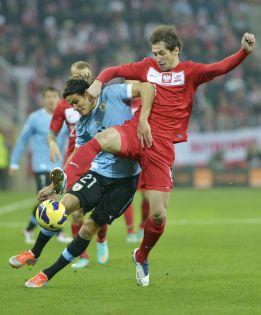 Uruguay lava su imagen con una sólida victoria ante Polonia
