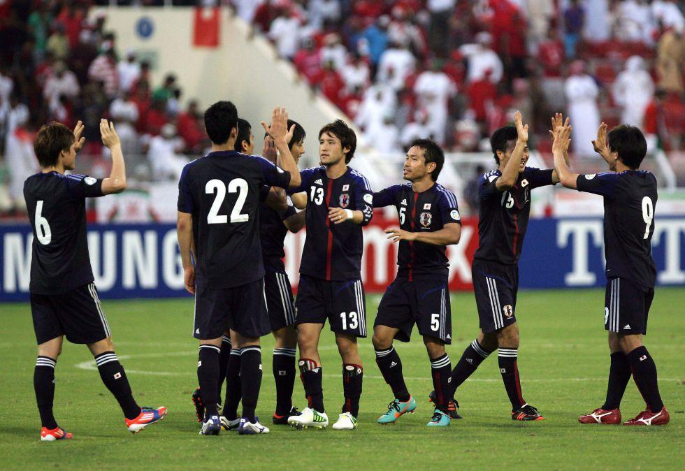 Japón intensifica su dominio y Uzbekistán sorprende a Irán