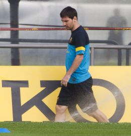 Alves no llega al entreno; Messi y Villa trabajan en el gimnasio