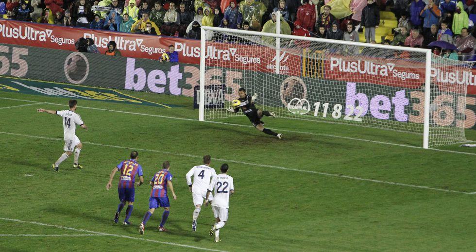 Xabi Alonso falla uno de cada cuatro penaltis que lanza