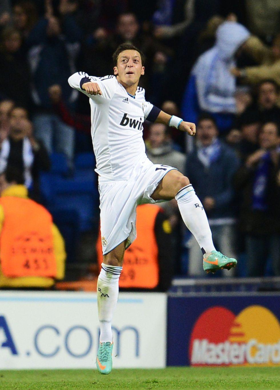 Ramos y Özil, competencia para Cristiano Ronaldo en las faltas