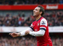 El Arsenal golea al Tottenham tras la expulsión de Adebayor