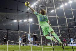 La Juve se estrelló ante el Lazio y El Shaarawy salvó al Milán