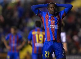 La FIFA sanciona a Diop y no jugará ante el Deportivo