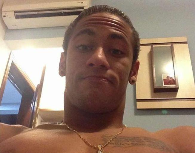 Neymar sorprende con nuevo look y deja a un lado la cresta