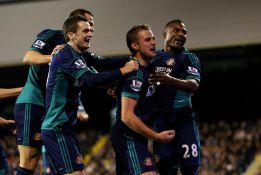 Carlos Cuéllar y Adam Johnson guían al Sunderland a la victoria