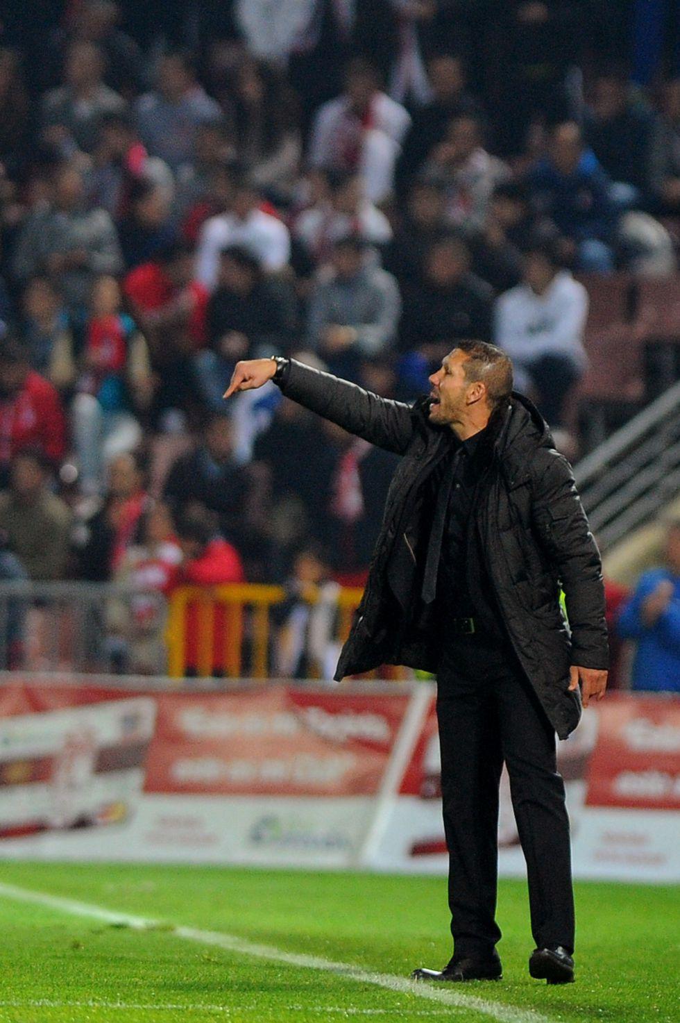 """Simeone: """"Diego Costa nos ayudó a la hora de salir con el balón"""""""
