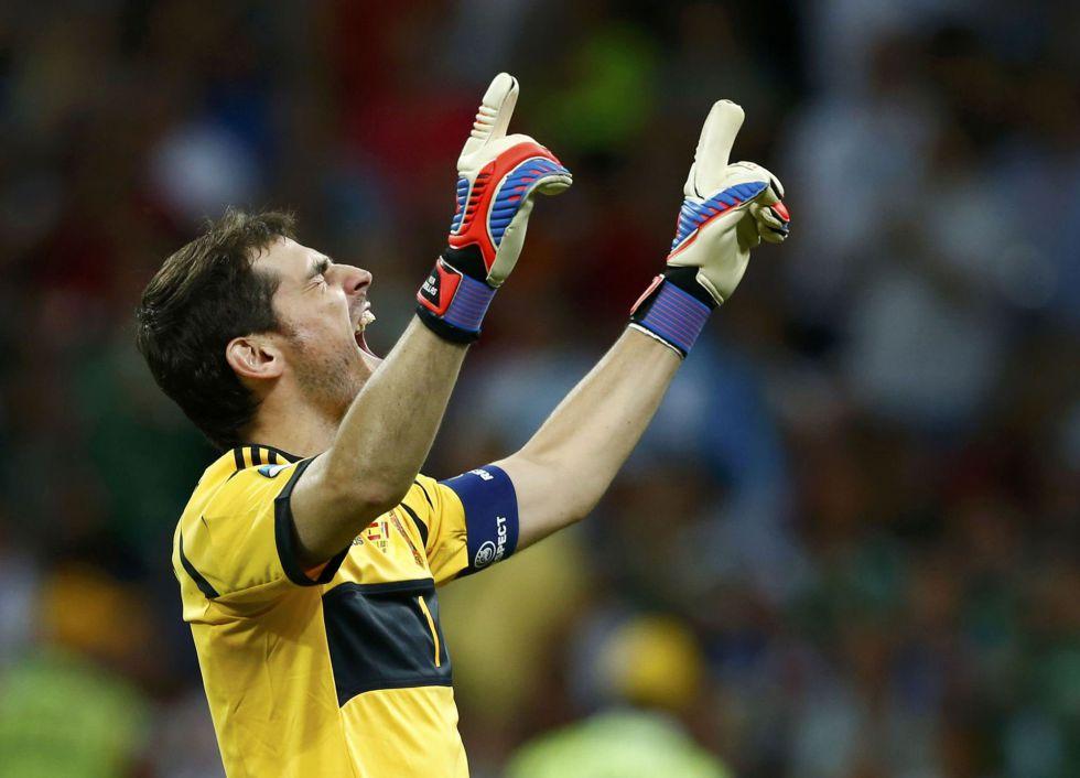 Casillas, nominado a mejor portero del año por el FIFPRO