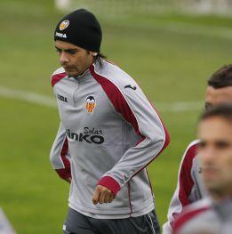 El Valencia, ya en octavos, se juega ser líder con Ever y Parejo