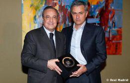 Florentino premió a Mourinho por su cien partidos Champions