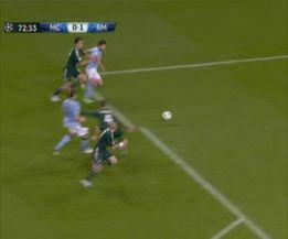 Rocchi se inventó un penalti de Arbeloa y perjudicó al Madrid