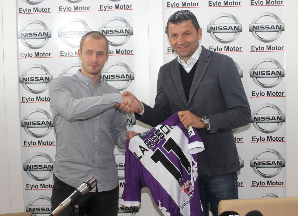 """Larsson """"He seguido al equipo y creo que puedo aportar"""""""