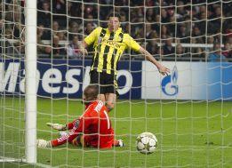 Reus, Lewandowski y Götze ruborizan al Ajax en Amsterdam