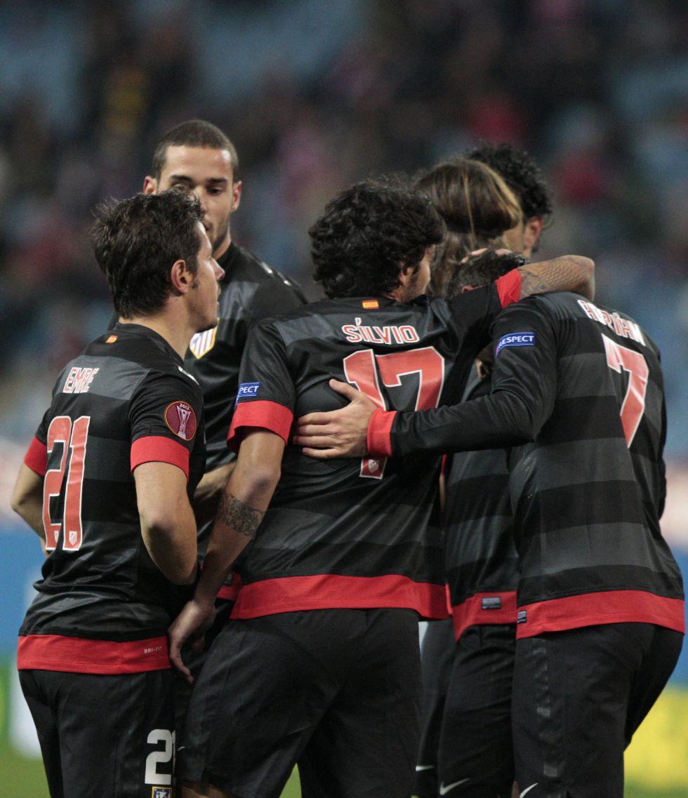 El Atlético jugó con su segunda equipación en el Calderón