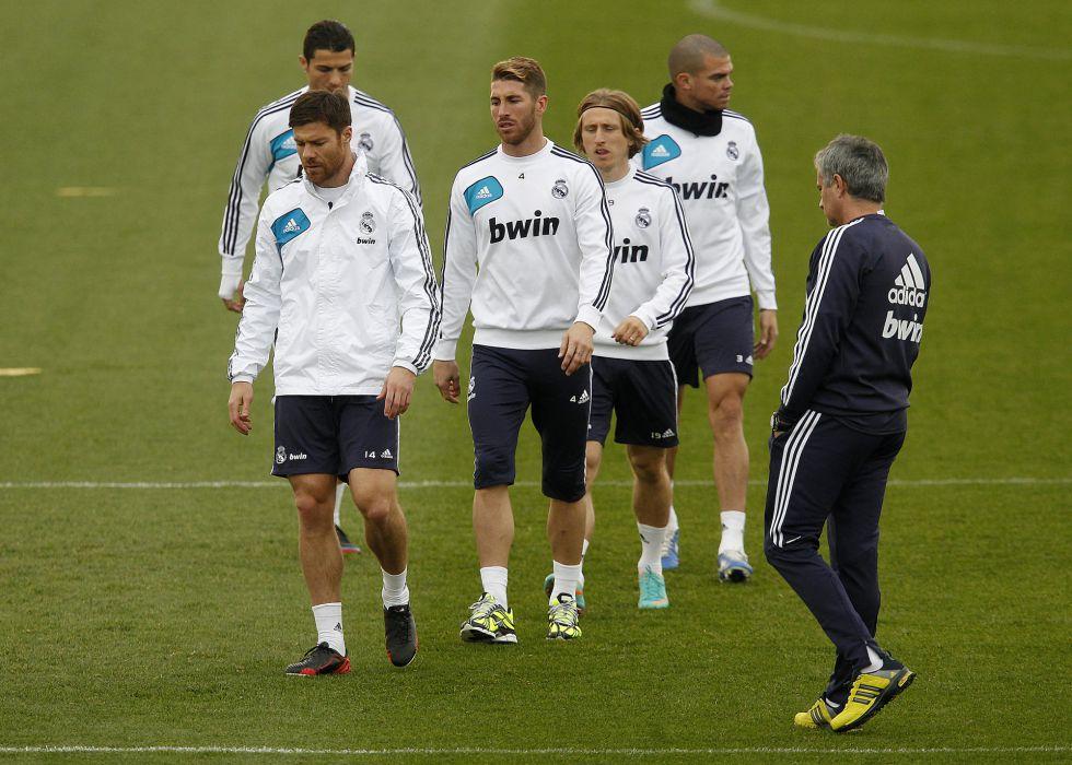 Mourinho vuelve a dejar fuera a Carvalho; viajan Nacho y Morata