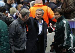 La UEFA le confirmó a Mou su partido 100 pero se contradice