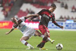 El Benfica, líder provisional tras derrotar 2-0 al Olhanense
