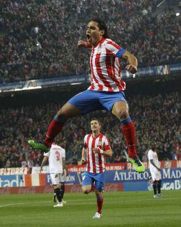 Falcao alcanza 50 goles en partidos oficiales con el Atlético