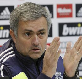 """Mourinho: """"A lo mejor el club es el que no está feliz conmigo"""""""