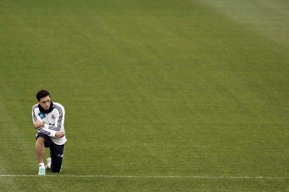 El Dortmund también luchará por repescar a Mesut Özil