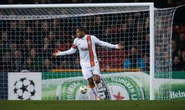 Un partido de sanción a Luiz Adriano por falta de 'fair play'