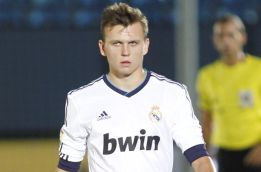 Debuta Denis Cheryshev, primer ruso en la historia del club