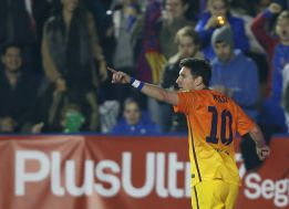 Tito le 'quita' a Messi un partido para batir el récord de Müller